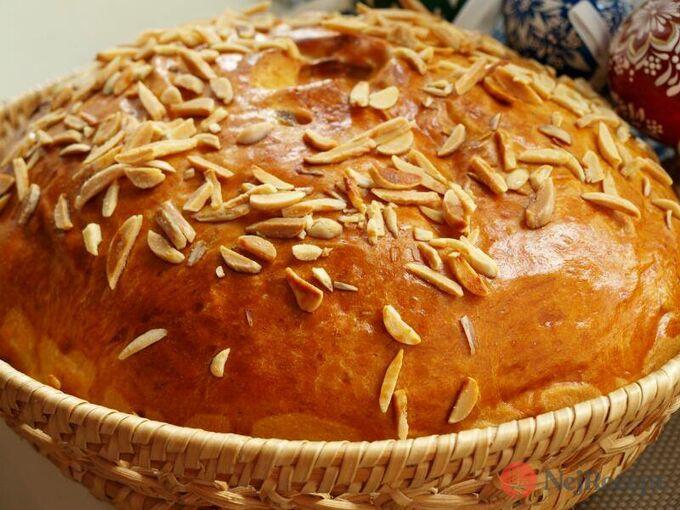Recept Velikonoční mazanec posypaný mandličkama