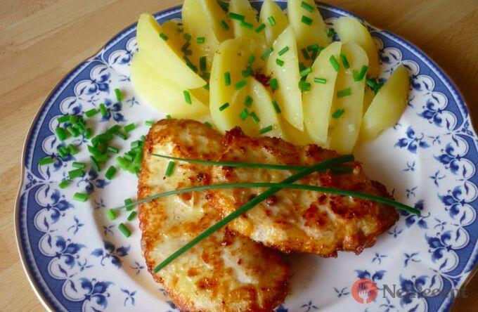 Recept Marinovaná kuřecí prsa s vařenými bramborami