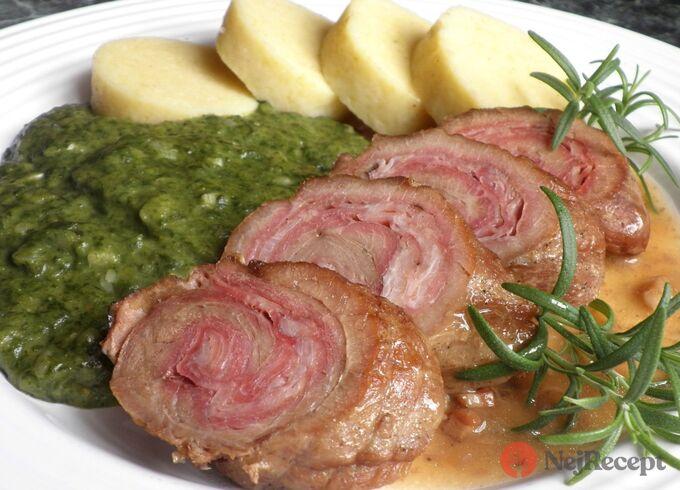 Recept Telecí závitek s bramborovým knedlíkem