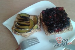 Příprava receptu Vafle z ovesných vloček s ovocem, krok 1