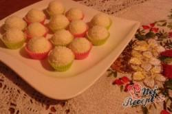 Příprava receptu Vánoční bonbony z kokosu, krok 2