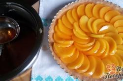 Příprava receptu Nejjednodušší ovocný koláč se želatinou, krok 13