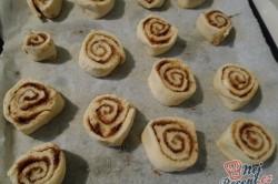 Příprava receptu Skořicoví šneci v karamelové omáčce, krok 7