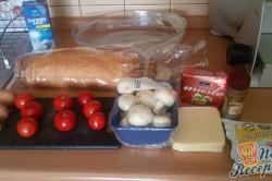 Příprava receptu Prokládaný toust s rajčaty a sýrem, přelitý smetanovou zálivkou, krok 1