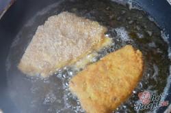 Příprava receptu Smažená niva se slaninou v trojobalu, krok 3