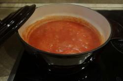Příprava receptu Plněná paprika v rajčatové omáčce, krok 7