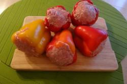 Příprava receptu Plněná paprika v rajčatové omáčce, krok 3