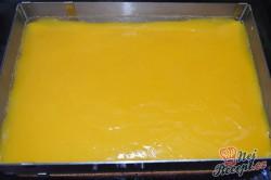Příprava receptu Svěží pomerančový zákusek se šlehačkou, krok 6