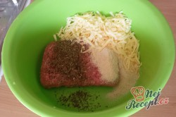 Příprava receptu Zapečené maso se sýrem v anglické slanině, krok 6