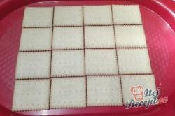 Příprava receptu Rychlé malinové kostky se šlehačkou bez pečení, krok 1