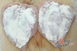 Příprava receptu Špízy z kuřecích prsíček, šunky a smetanového sýra, krok 2