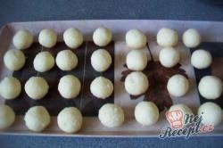 Příprava receptu Dvoubarevné kuličky na vánoční stůl, krok 6