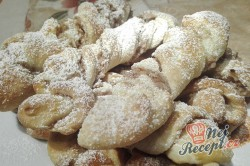 Příprava receptu Točené rolky s jablečno-ořechovou nádivkou, krok 1