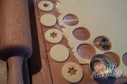 Příprava receptu Linecké vánoční cukroví - FOTOPOSTUP, krok 4