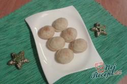 Příprava receptu Netradiční vánoční oříšky s překvapením, krok 2