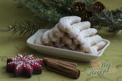 Příprava receptu Maminčiny vanilkové rohlíčky, krok 2