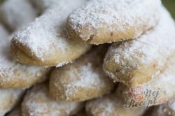 Příprava receptu Maminčiny vanilkové rohlíčky, krok 3