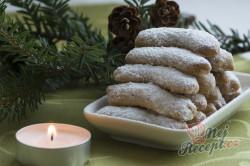 Příprava receptu Maminčiny vanilkové rohlíčky, krok 6