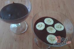 Příprava receptu Panna Cotta z hořké čokolády s banánem, krok 1