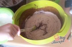 Příprava receptu Čokoládová bábovka s vlašskými ořechy - FOTOPOSTUP, krok 9
