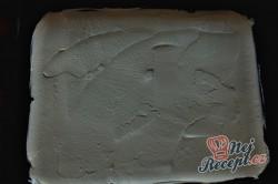 Příprava receptu Čokoládová roláda s tvarohem a banánem, krok 8