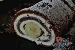 Příprava receptu Čokoládová roláda s tvarohem a banánem, krok 14