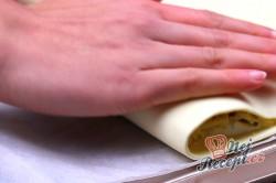 Příprava receptu Ultra rychlý oběd nebo večeře z listového těsta, krok 5