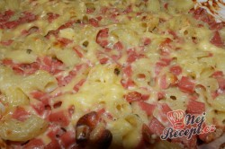 Příprava receptu Zapékané těstoviny se sýrem a dietním salámem, krok 2
