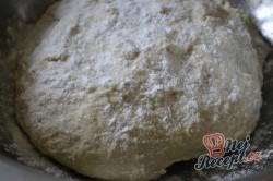 Příprava receptu Mňamkové langoše se strouhaným sýrem, krok 3