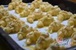 Příprava receptu Máslové loupáčky s mandlemi, krok 11