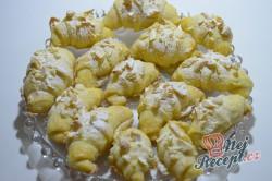 Příprava receptu Máslové loupáčky s mandlemi, krok 14