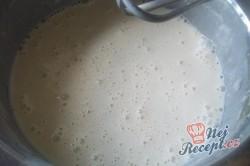 Příprava receptu Plněné mascrame palačinky - pečeme za pomoci lahve, krok 2