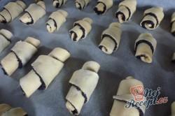 Příprava receptu Křupavé rohlíčky s bohatou makovou náplní, krok 4