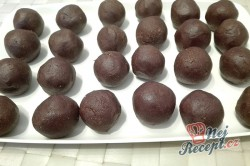 Příprava receptu Nepečené pudinkové kuličky s oříšky, krok 1