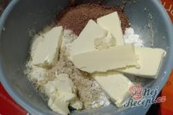 Příprava receptu Oříškové tyčinky máčené v čokoládě, krok 2