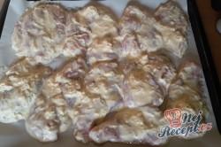 Příprava receptu Pečená kuřecí prsa v sýrovém těstíčku, krok 5