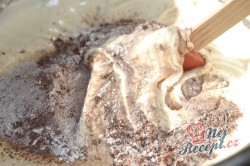 Příprava receptu Čokoládově tvarohové kostky, krok 3