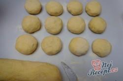 Příprava receptu Bramborové knedlíky plněné uzeným masem se zelím, krok 7