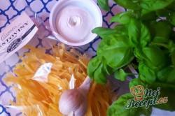 Příprava receptu Tagliatelle s ricottou a pečeným lilkem, krok 1