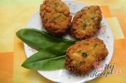 Příprava receptu Květákové placičky s medvědím česnekem, krok 11