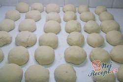 Příprava receptu Buchty na páře posypané grankem, krok 3