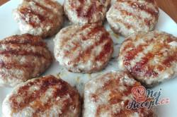 Příprava receptu Smažené nebo grilované karbanátky, krok 3