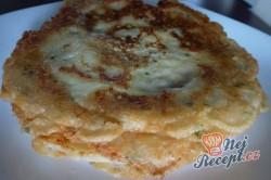 Příprava receptu Sýrové palačinky plněné sýrovou omáčkou, slaninou a špenátem, krok 1