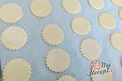 Příprava receptu Křehké sušenky s kondenzovaným mlékem, krok 4