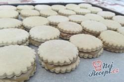 Příprava receptu Křehké sušenky s kondenzovaným mlékem, krok 6