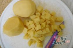 Příprava receptu Krémová polévka z medvědího česneku, krok 2