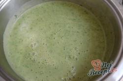 Příprava receptu Krémová polévka z medvědího česneku, krok 8