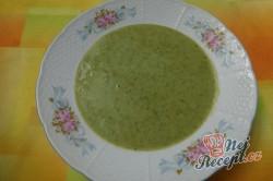 Příprava receptu Krémová polévka z medvědího česneku, krok 9