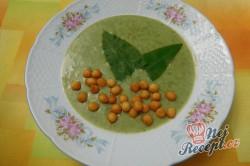 Příprava receptu Krémová polévka z medvědího česneku, krok 11