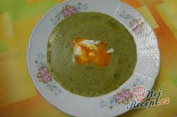 Příprava receptu Krémová polévka z medvědího česneku, krok 12